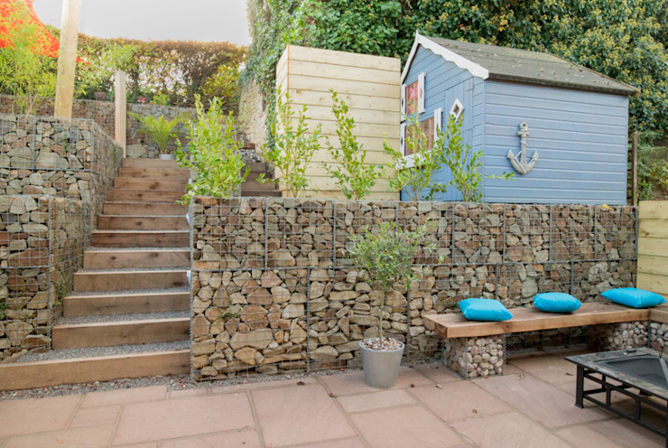 Small Garden with a Very Steep Slope:  Garden by Yorkshire Gardens, Modern