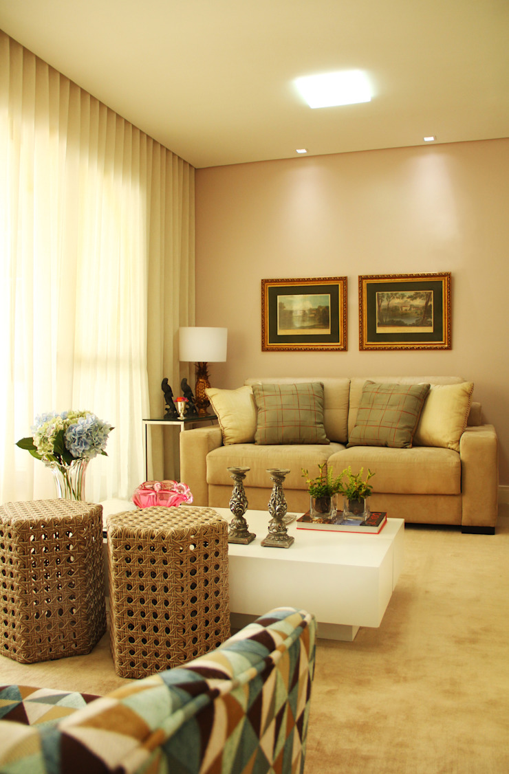 Living Salas de estar clássicas por Mally Arquitetura Clássico
