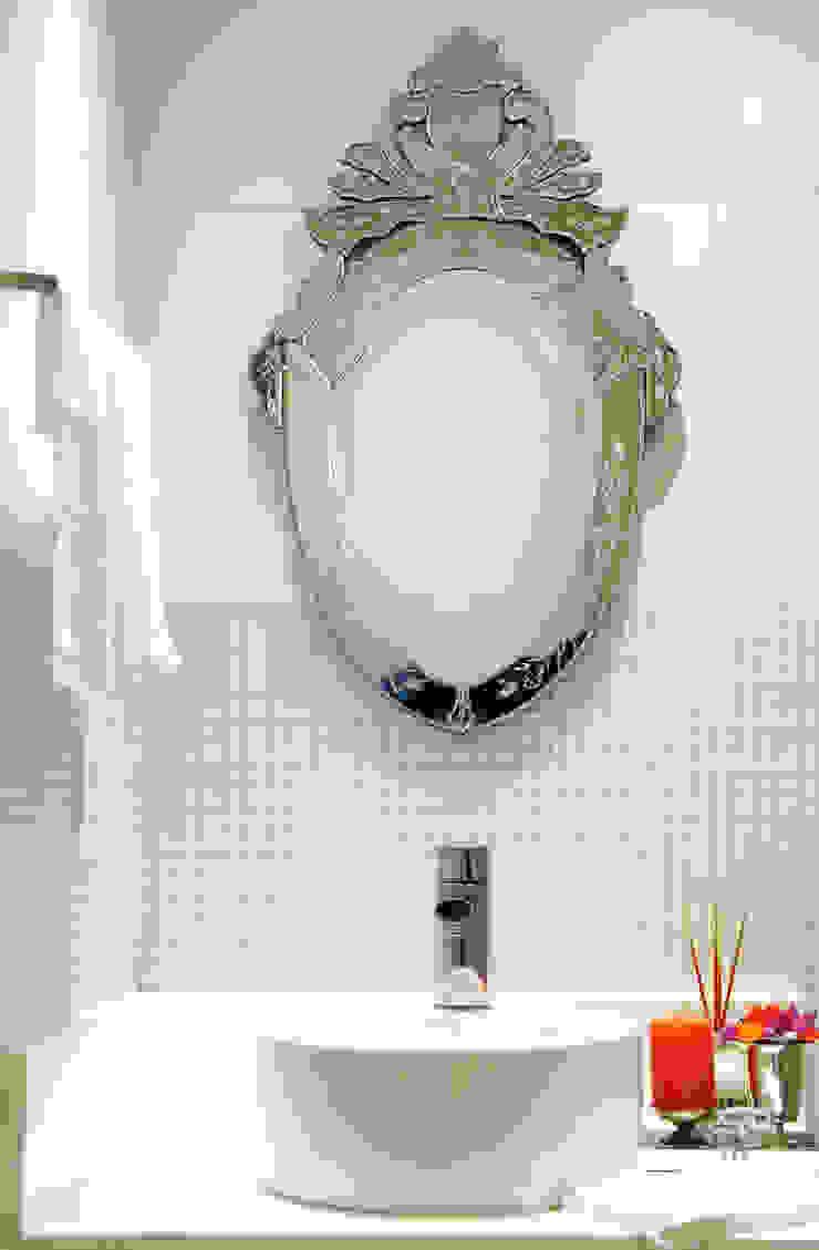 Banheiro Social Banheiros clássicos por Mally Arquitetura Clássico