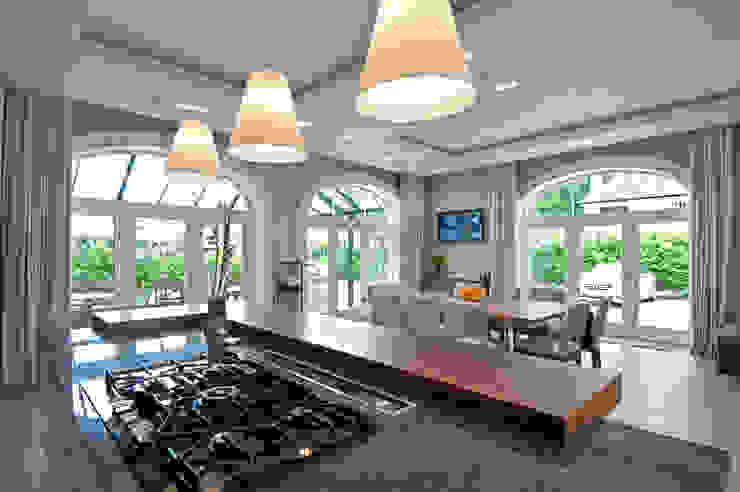 Luxury Style Suburban Mansion Кухня в классическом стиле от Des Ewing Residential Architects Классический