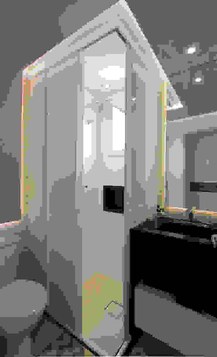 Salle de bain moderne par Caravieri Cardoso Arquitetura Moderne