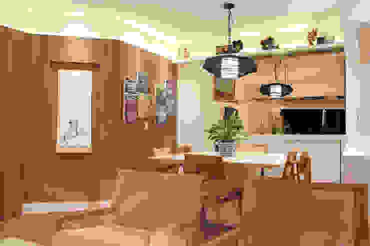 Salle à manger moderne par Caravieri Cardoso Arquitetura Moderne