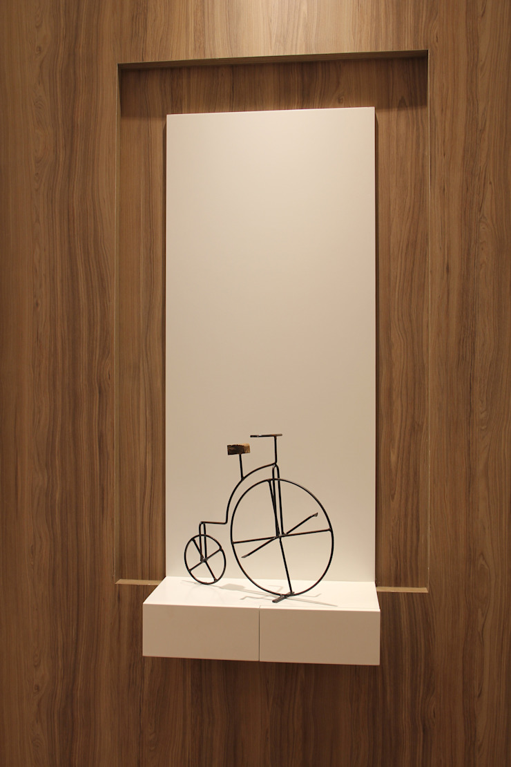 Couloir, entrée, escaliers minimalistes par Caravieri Cardoso Arquitetura Minimaliste