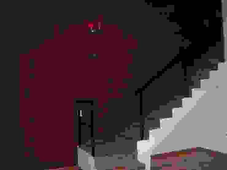 Reforma Casa en Caballito C.A.B.A Pasillos, vestíbulos y escaleras modernos de AyC Arquitectura Moderno