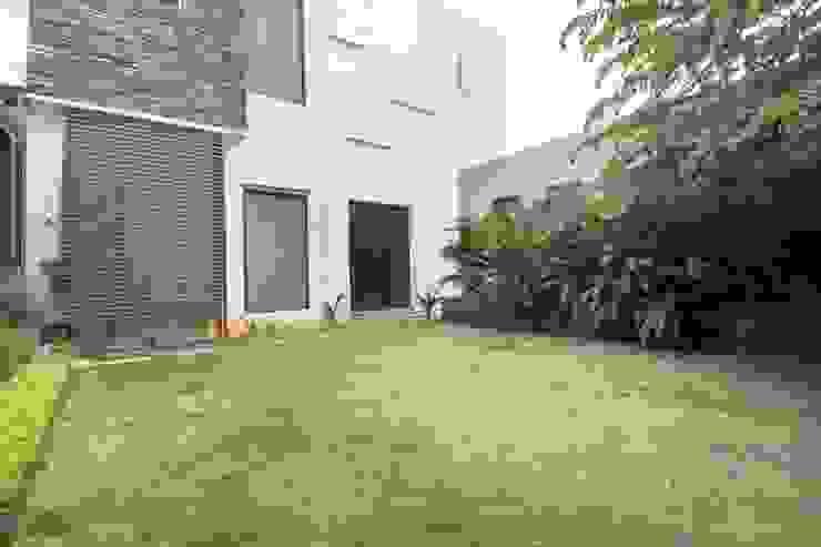Modern home by Bansal Interiors Modern