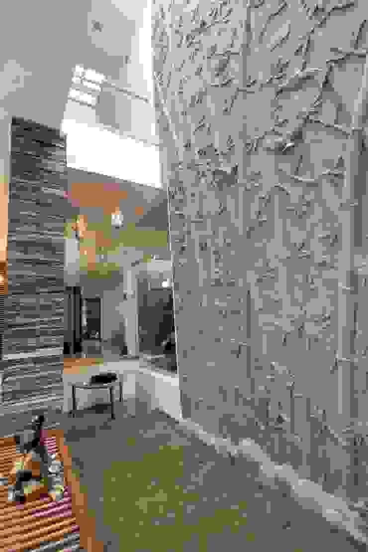 Villa Project Modern walls & floors by Bansal Interiors Modern