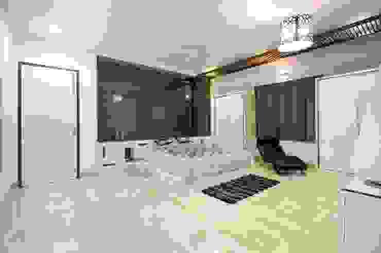 Modern style bedroom by Bansal Interiors Modern