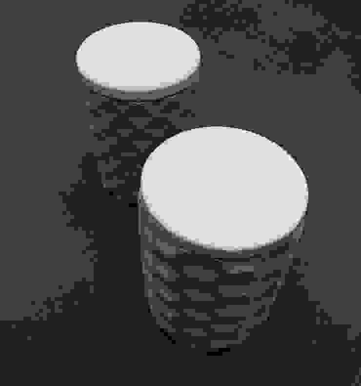 Contenedores de concreto | RCD + Shelf de Leco Estudio Moderno Piedra