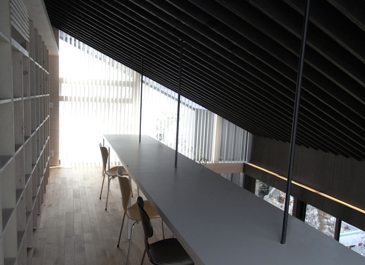 C-HOUSE モダンデザインの 多目的室 の 株式会社長野聖二建築設計處 モダン