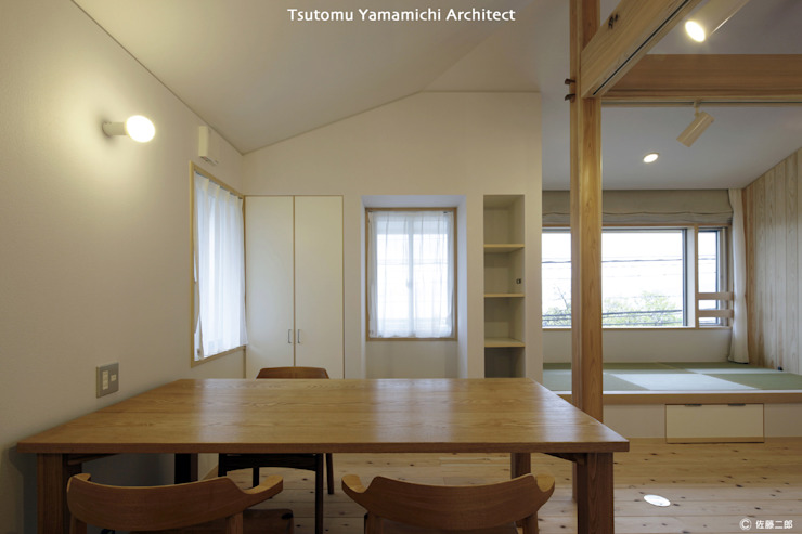 山道勉建築 Scandinavian style dining room Wood White