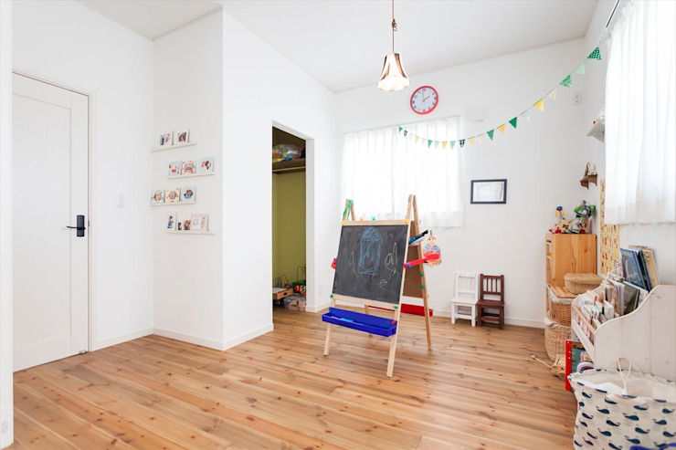 Nursery/kid's room by ジャストの家, Scandinavian