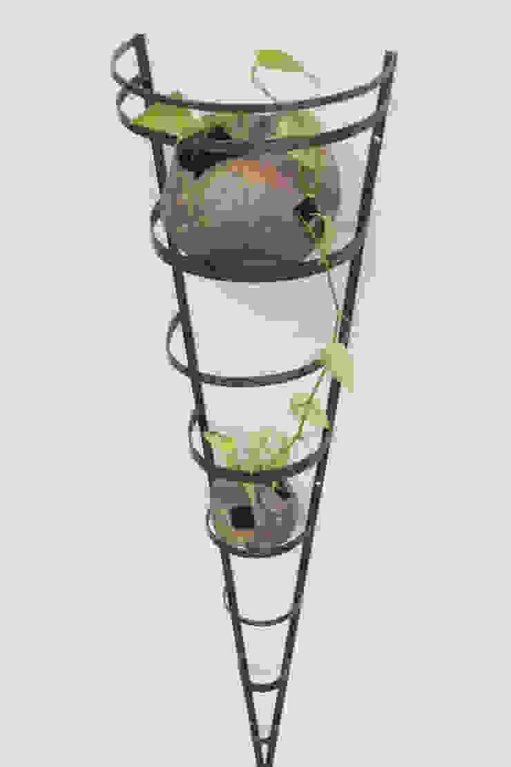 グリーン・トルソ S: Rie SASAKIが手掛けた折衷的なです。,オリジナル 鉄/鋼