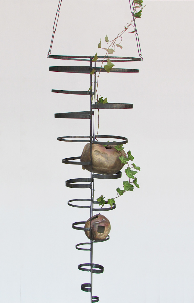 グリーン・トルソ W: Rie SASAKIが手掛けた折衷的なです。,オリジナル 鉄/鋼