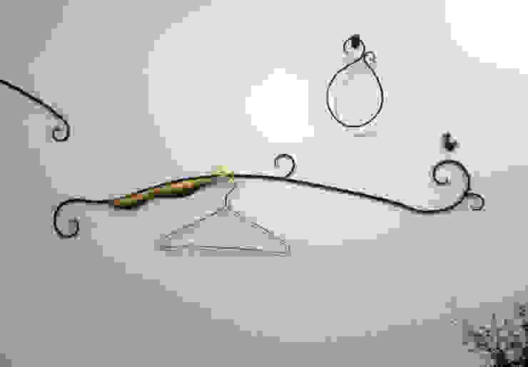 ハンガー 03: Rie SASAKIが手掛けた折衷的なです。,オリジナル 金属