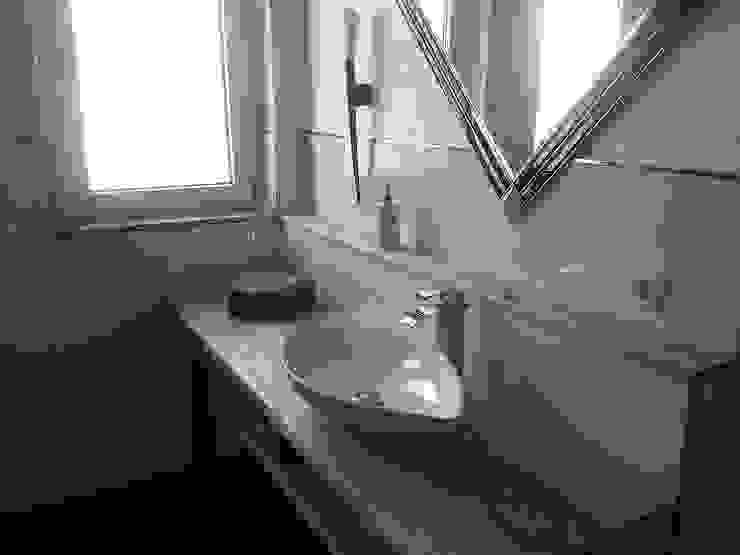 FD Fliesen GmbH Modern bathroom Ceramic