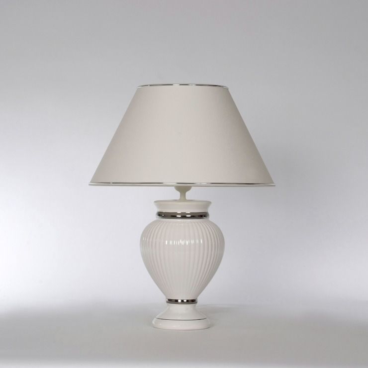 Tischlampe Keramik weiß mit Platinverzierungen Leuchtenmanufaktur Brodauf GmbH WohnzimmerBeleuchtung Keramik Weiß