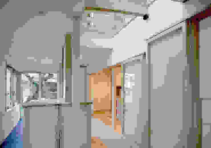 サンルーム 和風デザインの テラス の 本瀬齋田建築設計事務所 和風 木 木目調