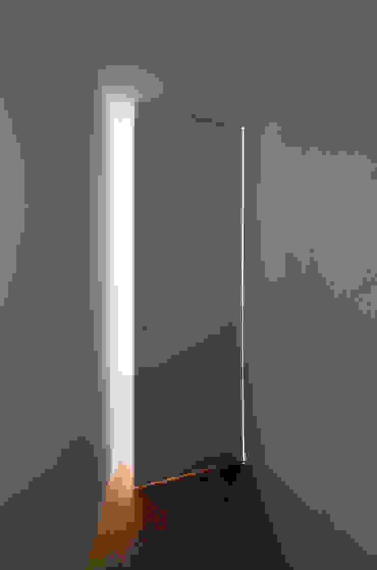 REFORMA DE ÁTICO Puertas y ventanas de estilo minimalista de DG Arquitecto Valencia Minimalista