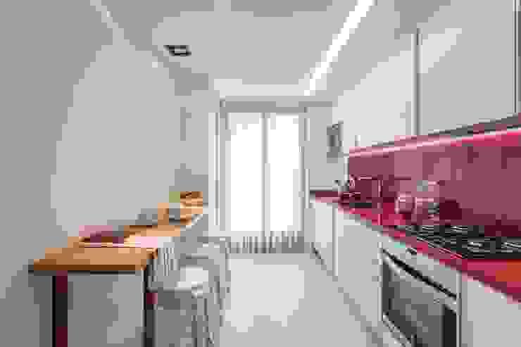 Cozinhas  por Laura Yerpes Estudio de Interiorismo