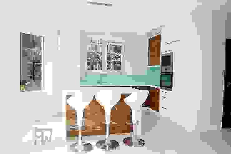 Modern style kitchen by PTW Studio Modern MDF