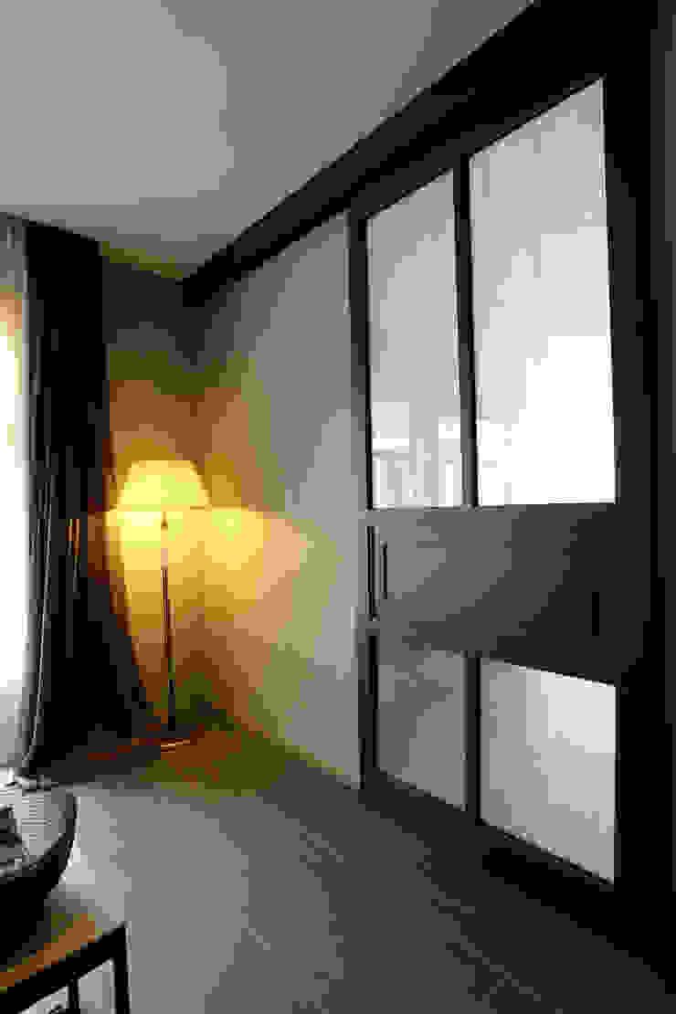 Sakurayama-Architect-Design Pintu & Jendela Modern Besi/Baja Black