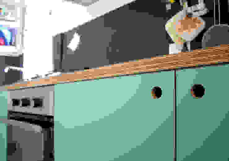 Atelier delle Verdure Eclectic style kitchen Wood Black