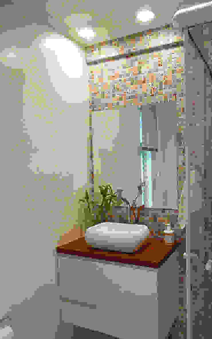 Modern Bathroom by LUB Arquitetura - Luiza Bassani Modern Solid Wood Multicolored