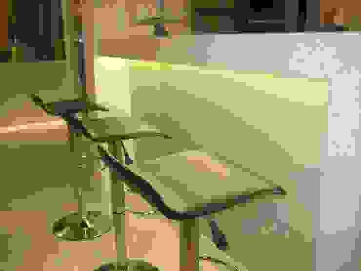Salas de estilo moderno de Das Haus Interiores - by Sueli Leite & Eliana Freitas Moderno
