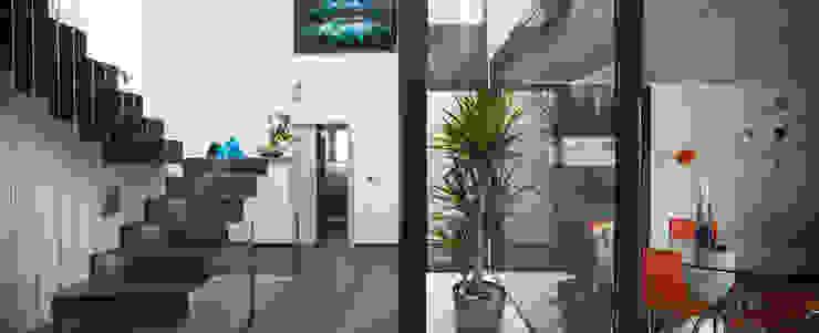 Mascagni arquitectos Ingresso, Corridoio & Scale in stile moderno