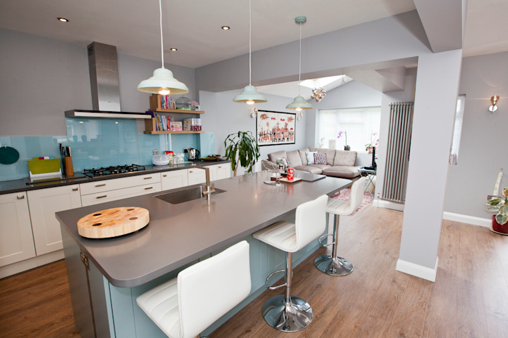 Vibrant and Modern Kitchen Extension Cocinas de estilo moderno de Redesign Moderno