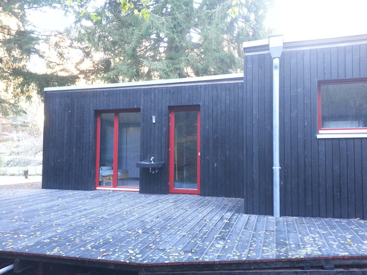 MCB International Timber-Work Limited 現代房屋設計點子、靈感 & 圖片 木頭 Black