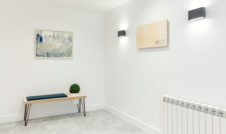 Studio Living by WN Interiors 現代風玄關、走廊與階梯 根據 WN Interiors 現代風