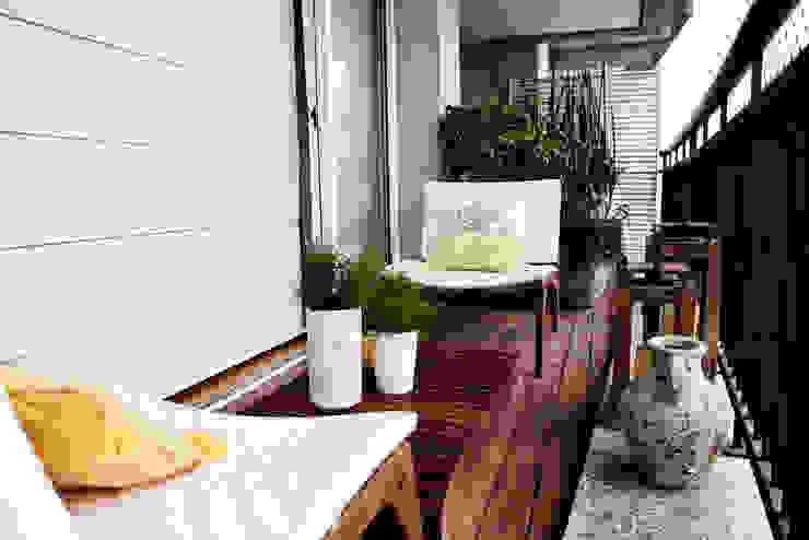 Vanderlei Camila Vicari Arquitetura da Paisagem Modern balcony, veranda & terrace
