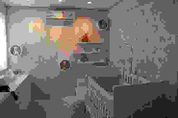 Projeto モダンデザインの 子供部屋 の Complementto D モダン