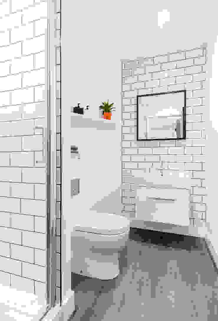 Studio Living by WN Interiors WN Interiors + WN Store Modern bathroom