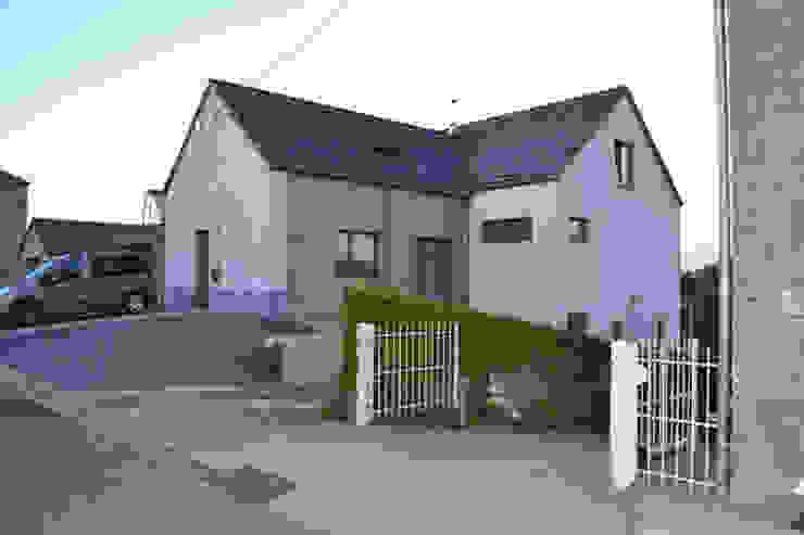 Maison passive et cabinet médical à Namêche (Andenne) Maisons modernes par Bureau d'Architectes Desmedt Purnelle Moderne