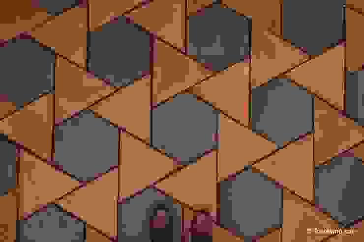 Suelo de barro Girasol 09 Paredes y suelos de estilo mediterráneo de Todobarro Mediterráneo Cerámico