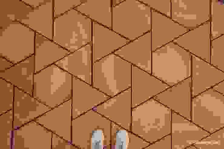 Suelo de barro Girasol 01 Paredes y suelos de estilo mediterráneo de Todobarro Mediterráneo Cerámico