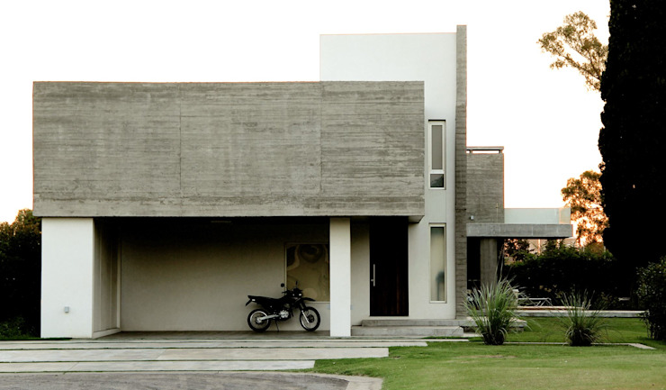 Houses by Estudio Cavadini,