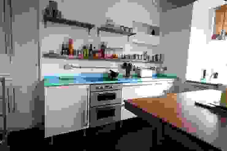 Bespoke 1950's inspired kitchen Redesign Кухня