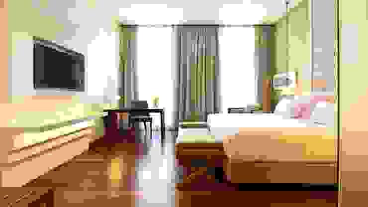 Bedroom Salas de estar clássicas por Strong Wood Floors Clássico