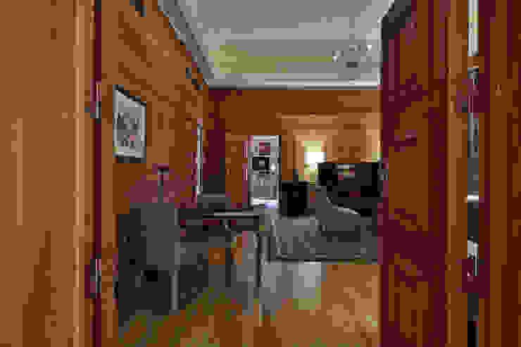 Living room Salas de estar clássicas por Strong Wood Floors Clássico