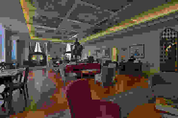 Grupo Pestana: Pousada de Lisboa Salas de estar clássicas por Strong Wood Floors Clássico