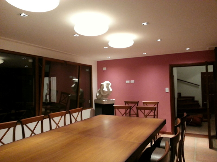 Salle à manger moderne par jose m zamora ARQ Moderne