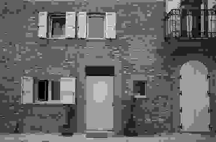 Progetti STUDIO DI ARCHITETTURA CATALDI MADONNA Modern houses