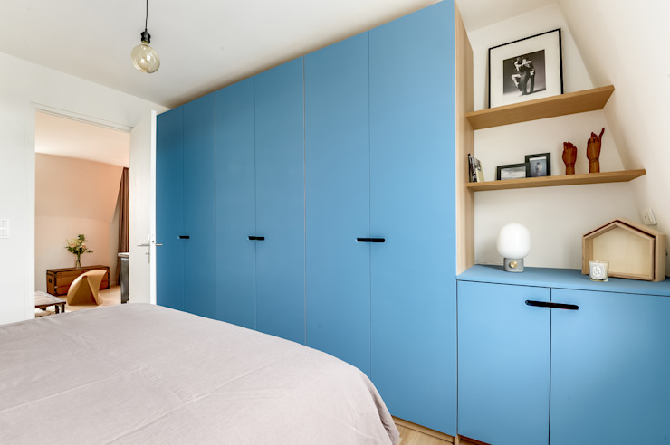 DRESSING CHAMBRE PROJET COLOMBES, Agence Transition Interior Design, Architectes: Carla Lopez et Margaux Meza Dressing moderne par Transition Interior Design Moderne