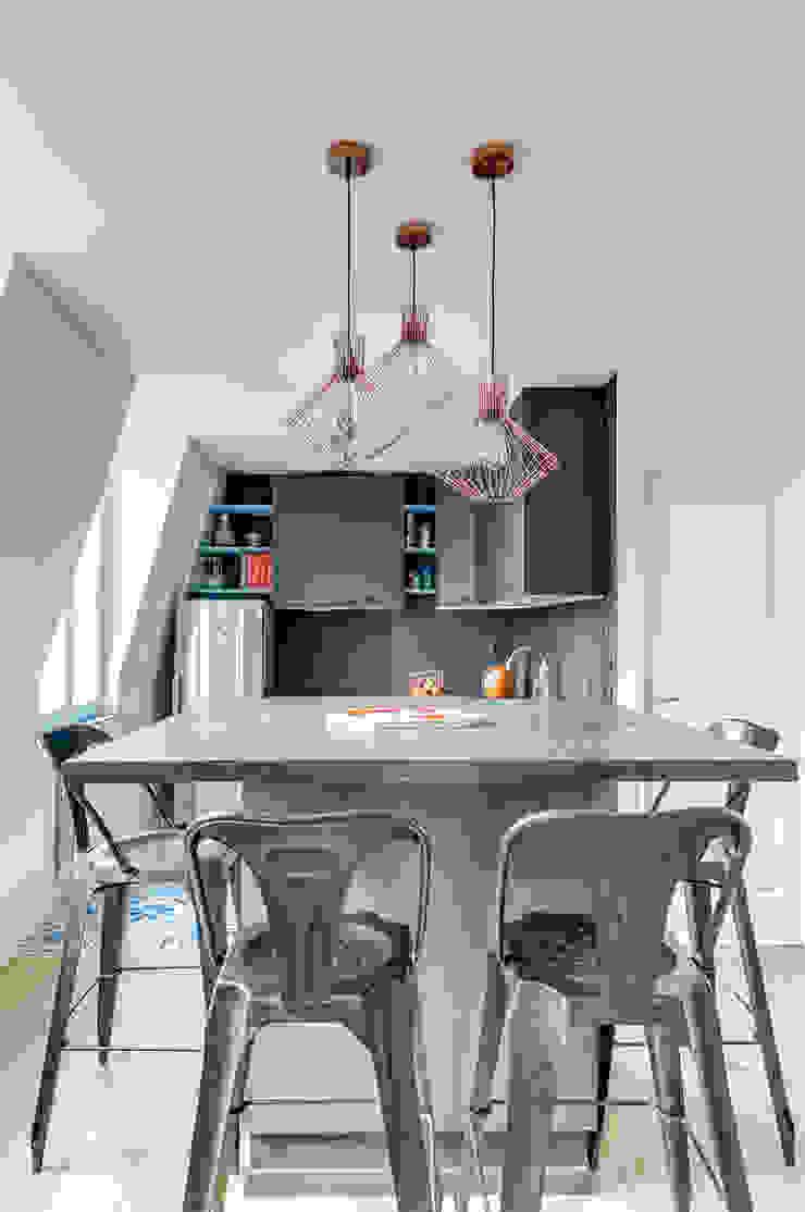 Cocinas de estilo moderno de Transition Interior Design Moderno