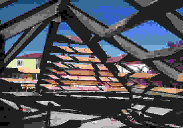 Reabilitação de prédio na Rua das Trinas por DNSJ.arq