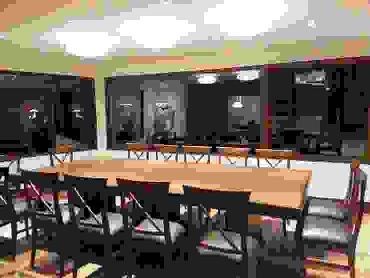 Casa CM: Comedores de estilo  por jose m zamora ARQ