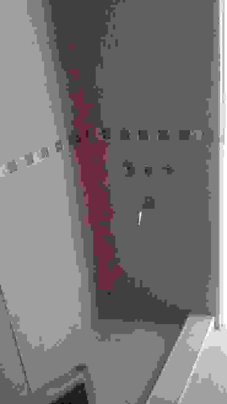 Baños de estilo clásico de Perez Pando Inmobiliaria Clásico